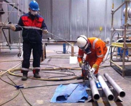 Metallisation protecting offshore oil platforms from corrosion